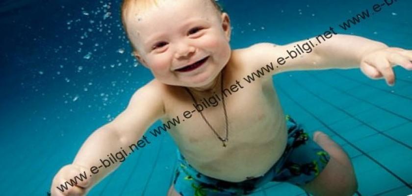 Yaz Mevsiminde Bebekler Havuza Girer Mi?